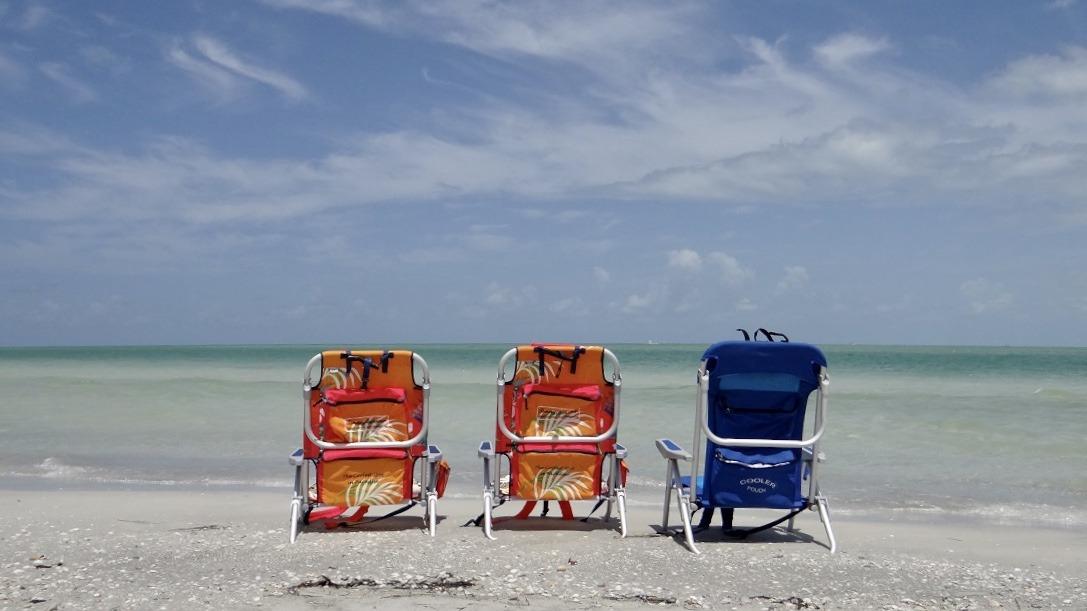 Lido & Chairs 2